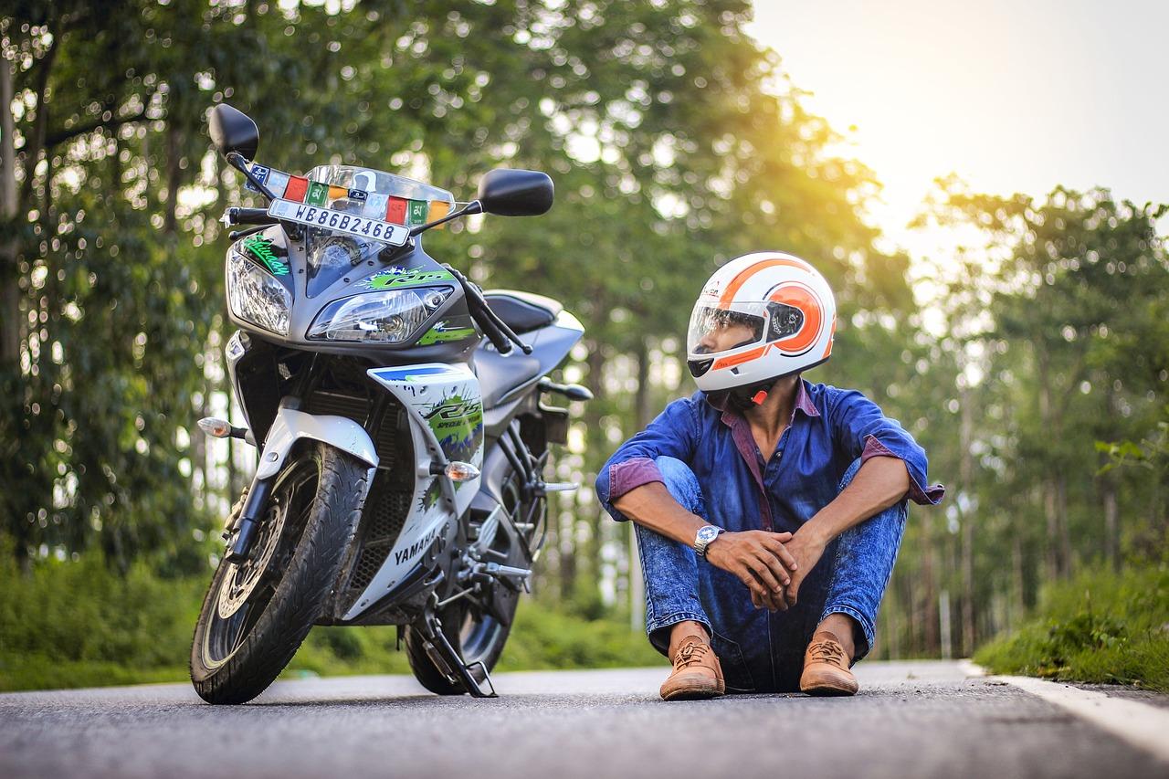バイクのヤエーで危ないことは事故にならないように注意が必要です